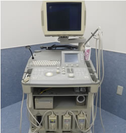 超音波診断装置(エコー): 超音波でお腹の中や心臓などを検査します